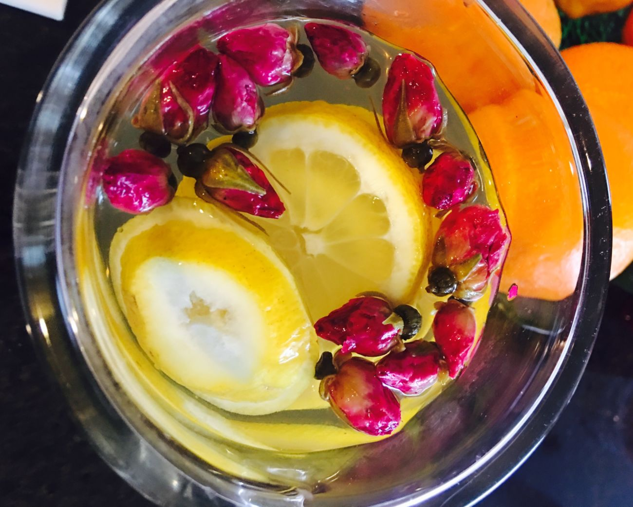 Rosebuds and Lemon Tea — Recipe special for women