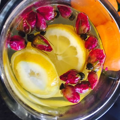 rosebuds and lemon tea